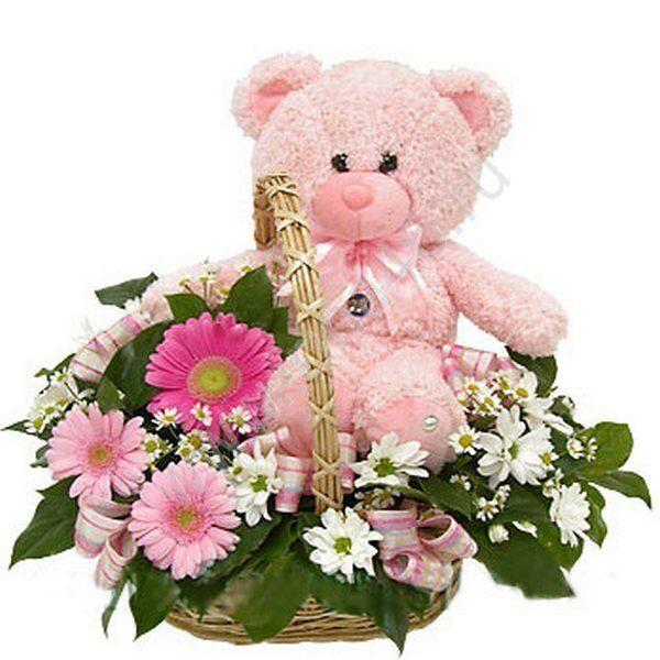 Корзины с цветами и игрушками